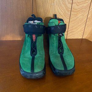 Authentic Women's Prada Green Suede Shoes -Size 39